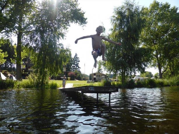 Zwemmen op camping Vidlak