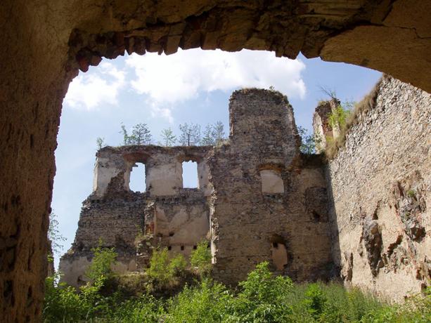Ruine Dvici Kamen