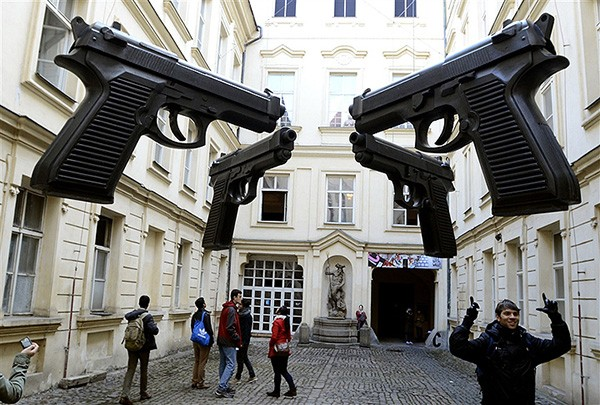 Pistolen David Cerny Praag