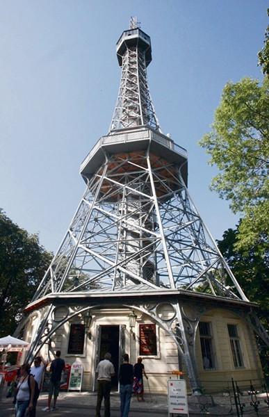 Uitkijktoren Petrin Park Praag