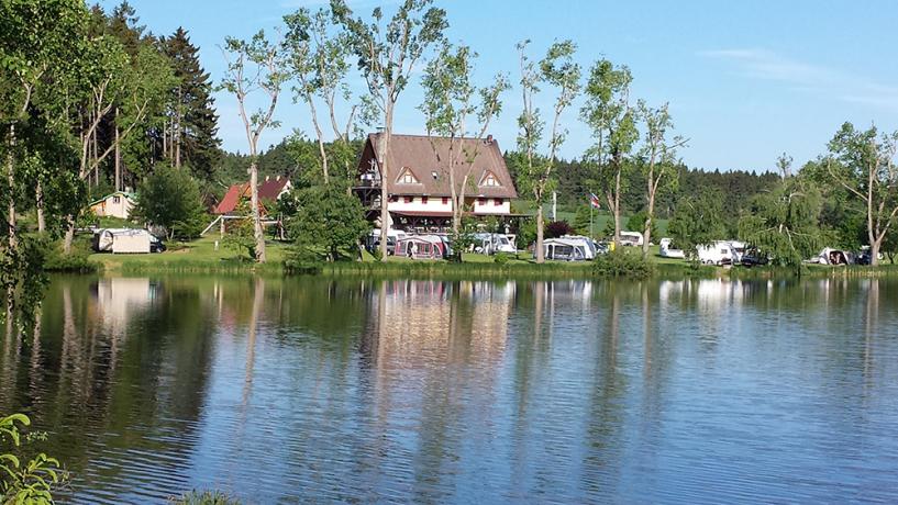 Camping Vidlak vanaf meer