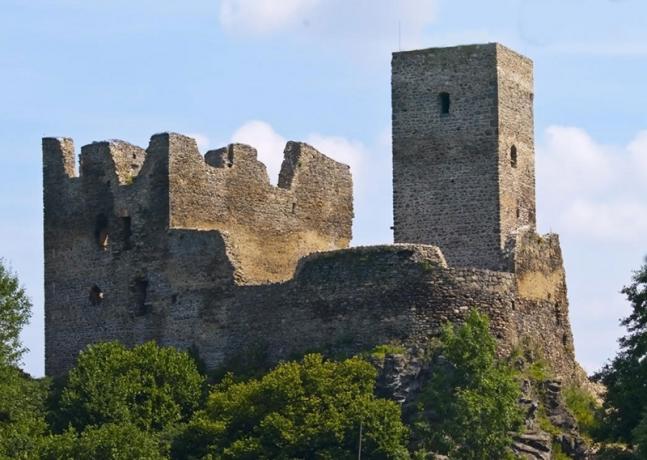 Ruine Rokstejn