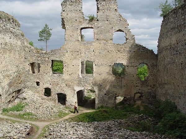 Divci Kamen Ruine