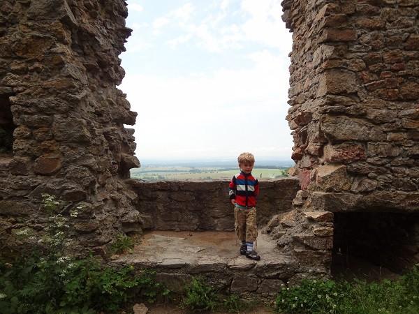Uitzicht ruine Choustnik
