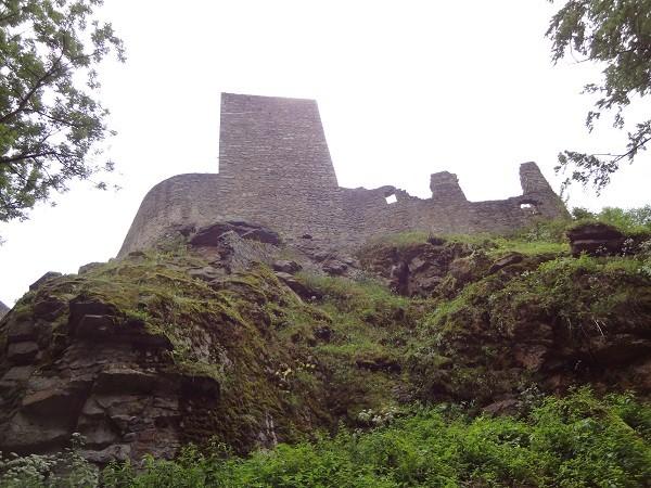 toren ruine Choustnik