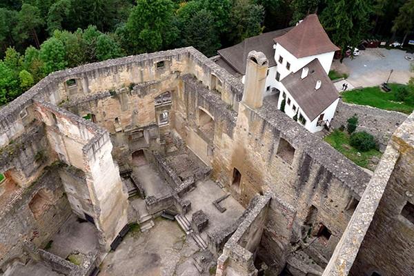 Ruine Landstejn vanuit toren