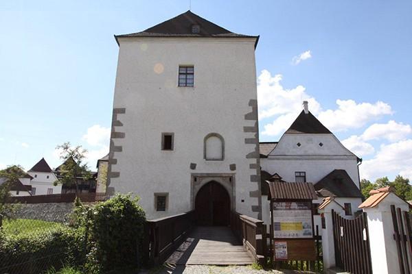 Toren kasteel Nove Hrady
