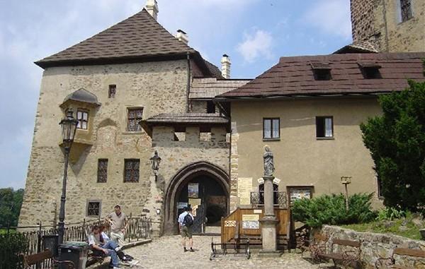 Poort kasteel Loket