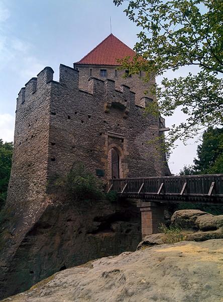 Loopbrug Kasteel Kokorin Tsjechie